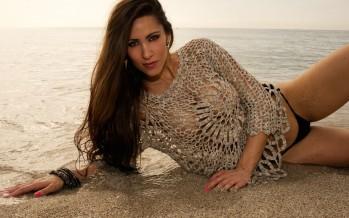 Anaïs Zanotti met le feu à Miami Beach