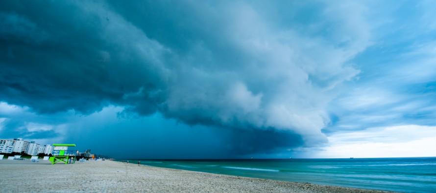 La tempête Erika fonce droit sur la Floride