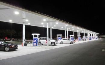 Le prix de l'essence continue de baisser à Miami et en Floride !