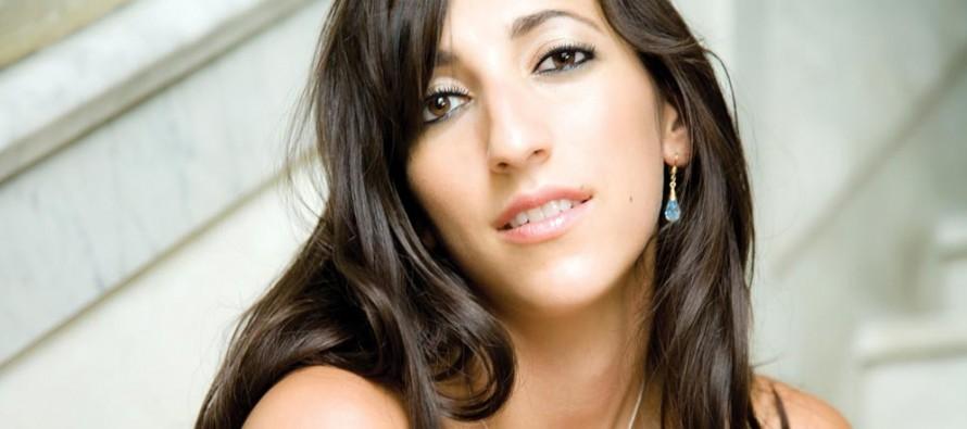 Florence K chante à Fort Lauderdale en avril
