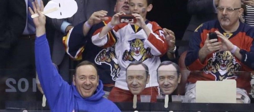 Kevin Spacey est venu soutenir les Florida Panthers (Hockey)