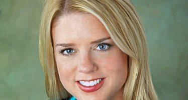 Pam Bondi, procureur général de Floride, suspectée d'enterrer les plaintes contre Trump