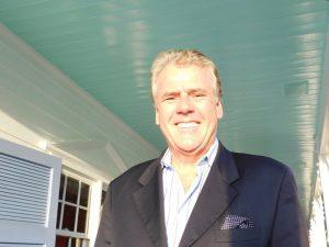 Patrick R. Fortemps, manager de Pierre's Restaurant et de Morada Bay, Islamorada, Floride