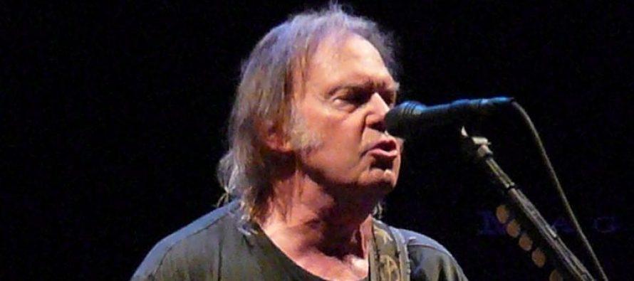 Neil Young publie son ode à la Terre