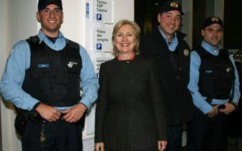 Hillary Clinton s'effondre pendant les cérémonies du 11 septembre, victime d'une pneumonie