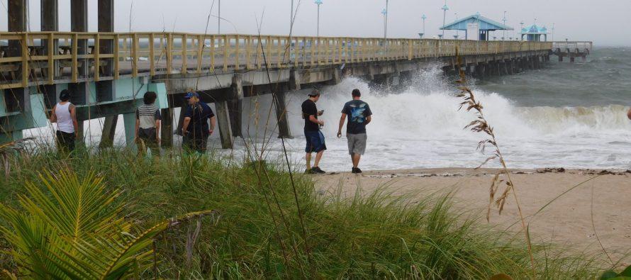 Le dévastateur ouragan Matthew va atteindre la Floride aujourd'hui