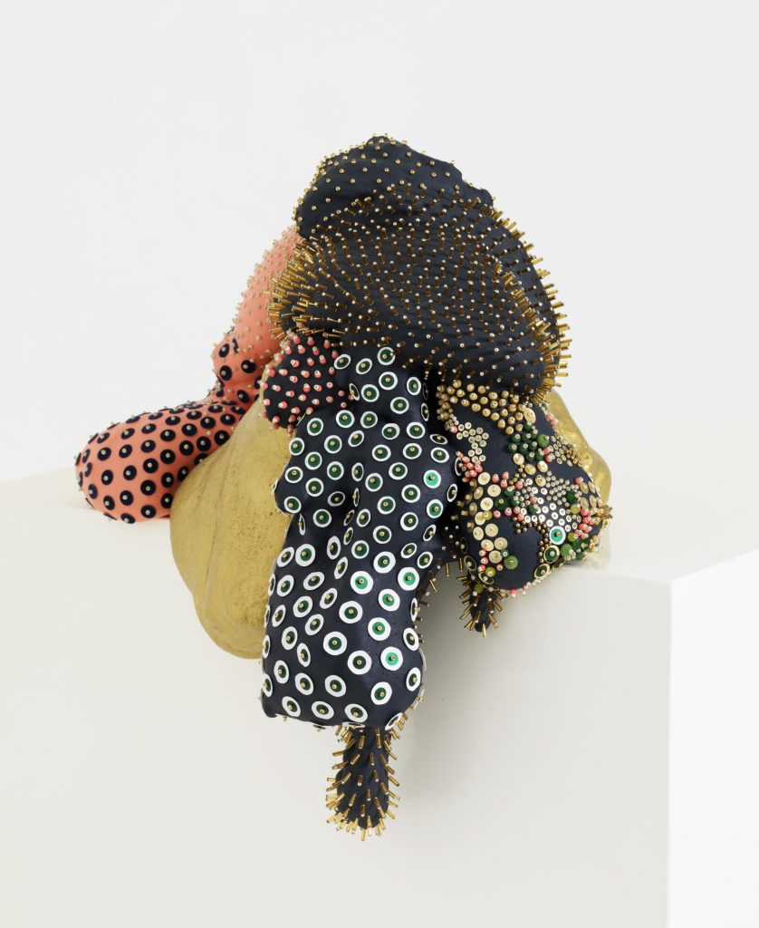"""Sculpture de Sharon Berebichez, de la série """"ORGANIC"""" / titre: """"Dipping Navy Blue"""" présentée à la Balthaz'ART Galerie"""