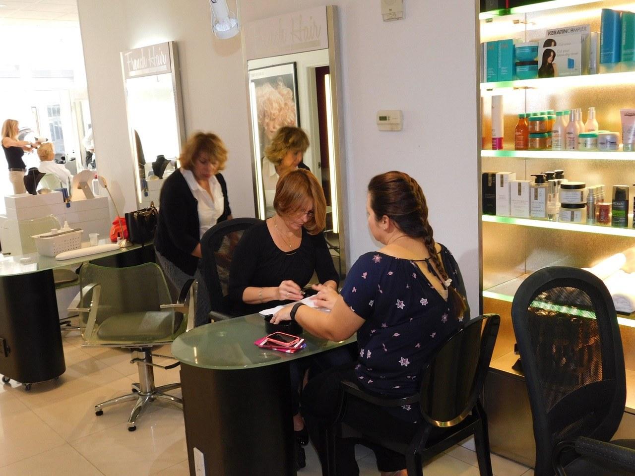 Le grand salon de coiffure spa de miami brickell - Nombre de salons de coiffure en france ...