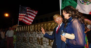 Halloween : la communauté gay de Miami fait la fête à Trump et Clinton !