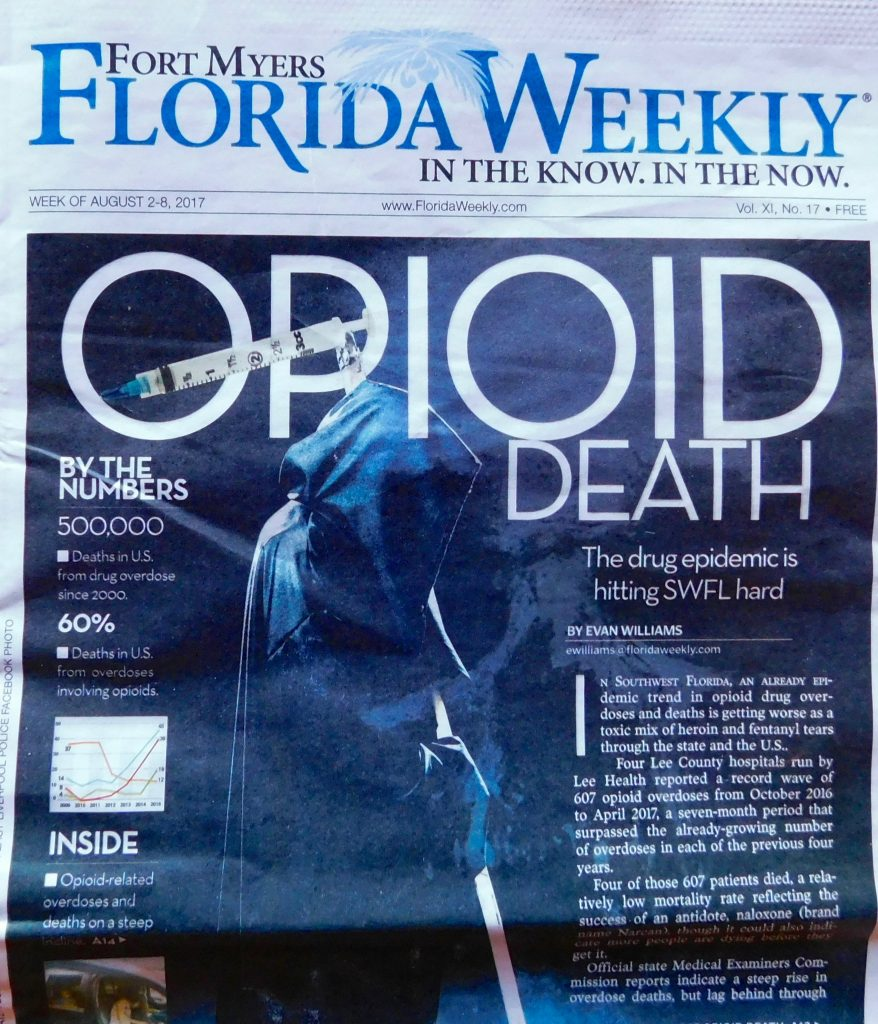 """""""Mort opioïde"""" : la couverture du journal """"Florida Weekly"""" de Fort Myers, en Floride"""