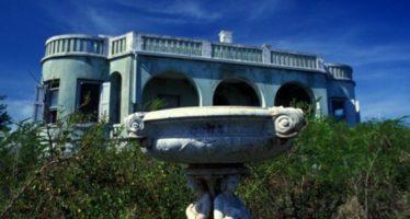 Un château «nazi» sur son île des Bahamas en vente 39M$