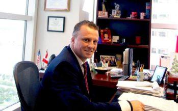 Laurent Morel-à-l'Huissier : un consul canadien passionné par les relations internationales