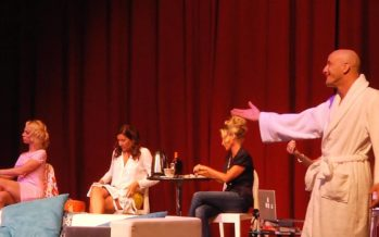 Le Peignoir aux Alouettes : la pièce revient à Miami Beach en novembre !