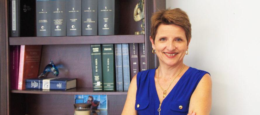 Votre avocate conseil francophone en droit civil et immigration à Miami : Paola Usquelis