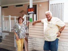 Expulsés, les Snowbirds de Homestead (Floride) ont dit adieu au Pine Isle
